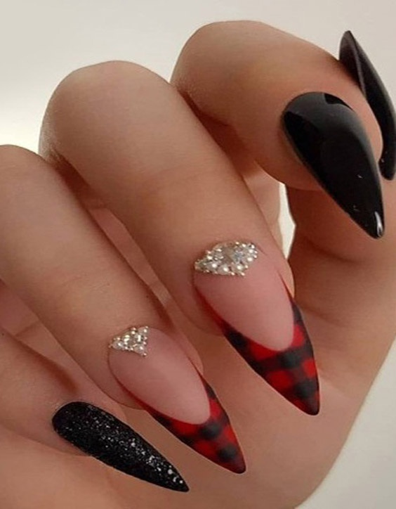 Best 2021 Stiletto Nails to Copy In next Event