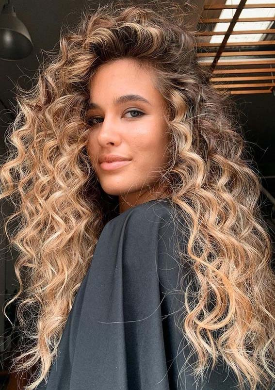Fantastic Long Curly Hairstyles and Cuts