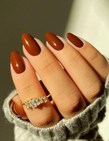 Fabulous 2021 Nail Designs & Shades for Ladies