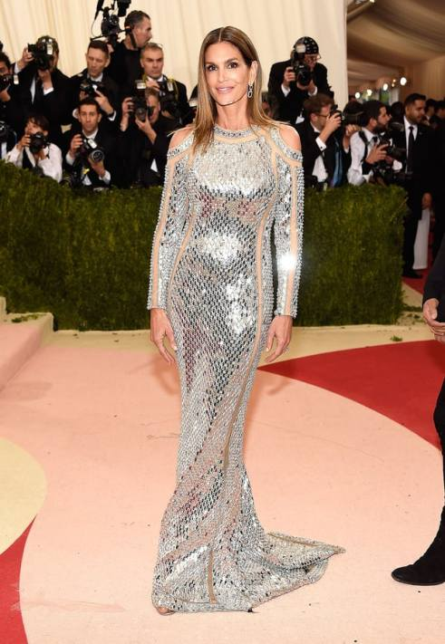 cindy-crawford-met-gala-2016 Credit: Kevin Mazur/WireImage