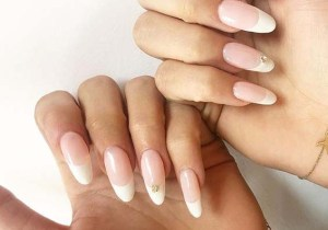 French Nails Designs for Modern Ladies to Wear in 2020