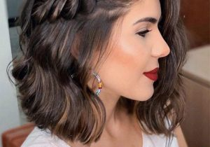 Good Looking Medium Hair & Makeup Style for Romantic Look