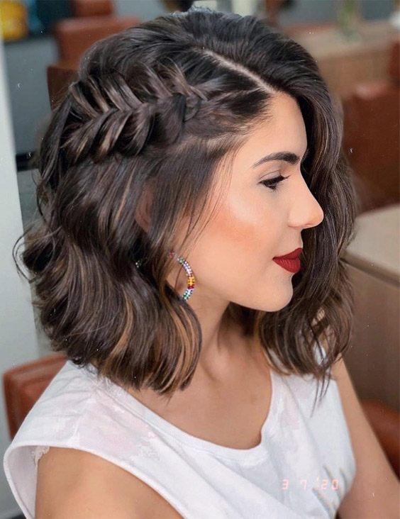 Good Looking Medium Hair & Makeup Style for Romantic Look