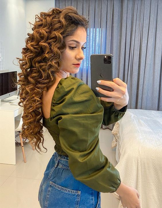 Wonderful & Hottest Look of Curly Hairstyles In 2020