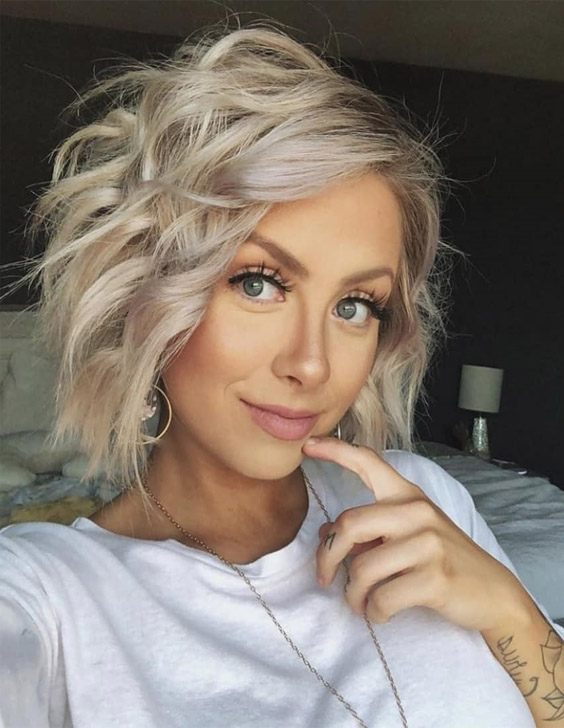 Charming Style of Blonde Hair to update your Look