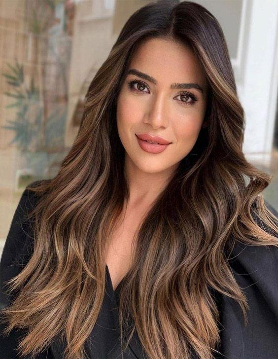 Fresh Look of Long Hair & Highlights for Girls