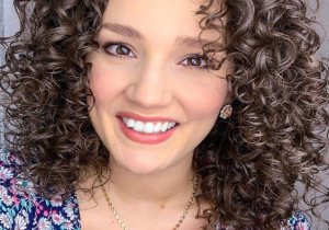 Gorgeous Shoulder Length Curly Hair Trends In 2021