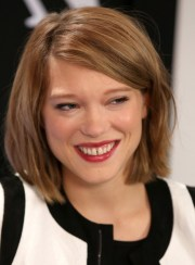 adele exarchopoulos cute short