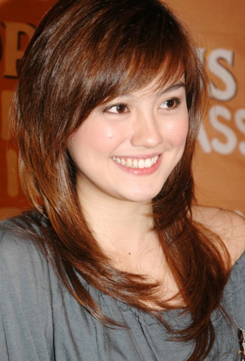 Cute Red Hairstyle With Bangs Agnes Monica Hairstyles