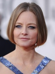 jodie foster chin length bob haircut