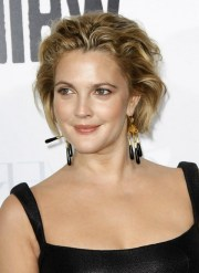 drew barrymore short messy hairstyle
