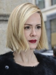 sarah paulson side parted short