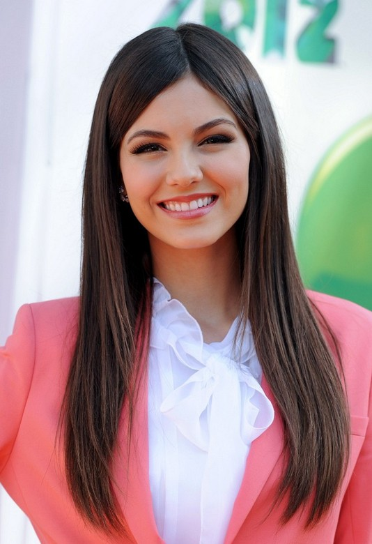 Victoria Justice Hairstyles  Celebrity Latest Hairstyles 2016