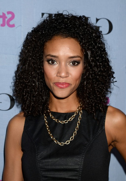 Annie Ilonzeh Shoulder Length Black Curly Hairstyle for ...