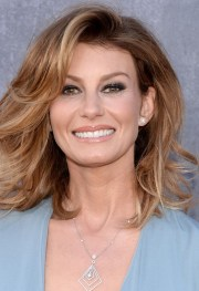 faith hill short hair styles