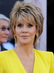 jane fonda short layered razor