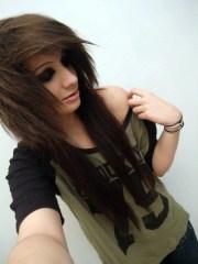 layered emo hairstyle girls