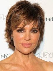 lisa rinna short layered razor