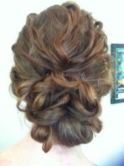 popular hairstyles curly