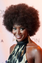 naomi campbell 70s afro curly hairstyle