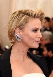 side part layered hairstyles