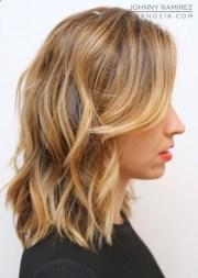 chic medium hairstyles wavy