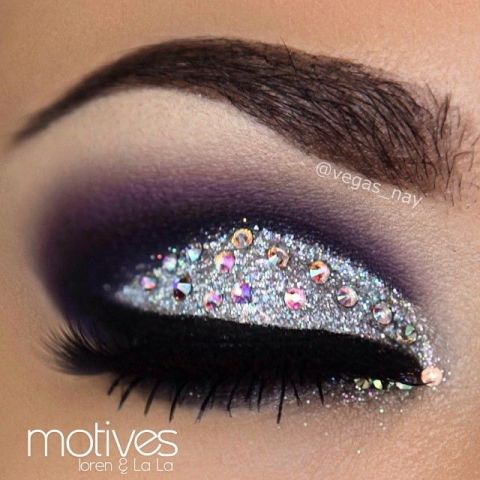 Shimmer Eye Makeup Idea for New Year