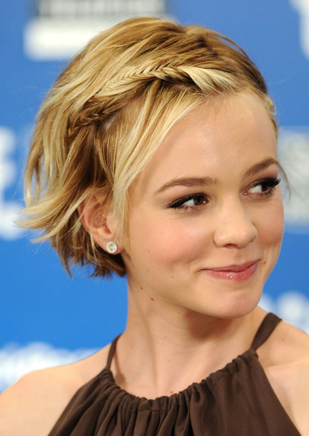 21 Short Hairstyles for Round Faces