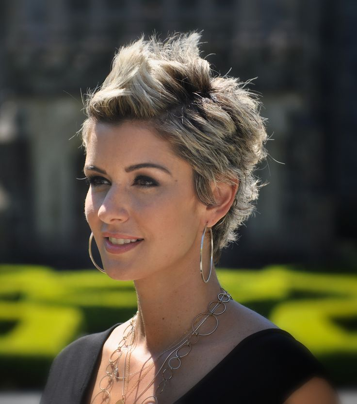 19 chic short and 'messy' hairstyles  styles weekly