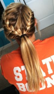 chic workout hairstyles women