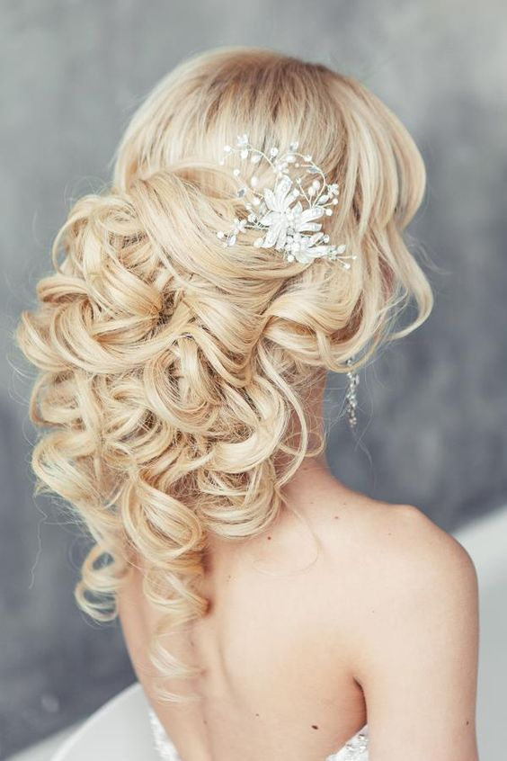 30 Beautiful Wedding Hairstyles  Romantic Bridal Hairstyle Ideas 2019  Styles Weekly