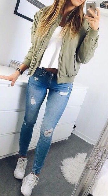 Ripped Jeans Outfit Ideas For School : ripped, jeans, outfit, ideas, school, Outfits, School, Back-to-School, Outfit, Ideas, Styles, Weekly