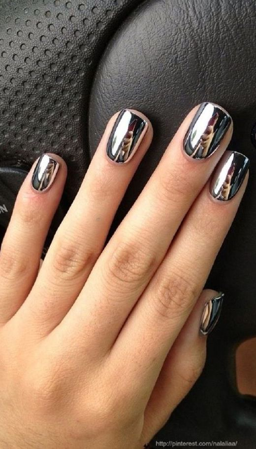 10 Stunning Chrome Nail Ideas