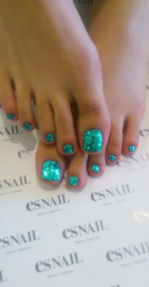10. Matching Manicure and Pedicure Glitter Nails