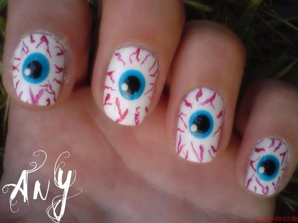 22 halloween nails - 30 Cool Halloween Nail Art Ideas