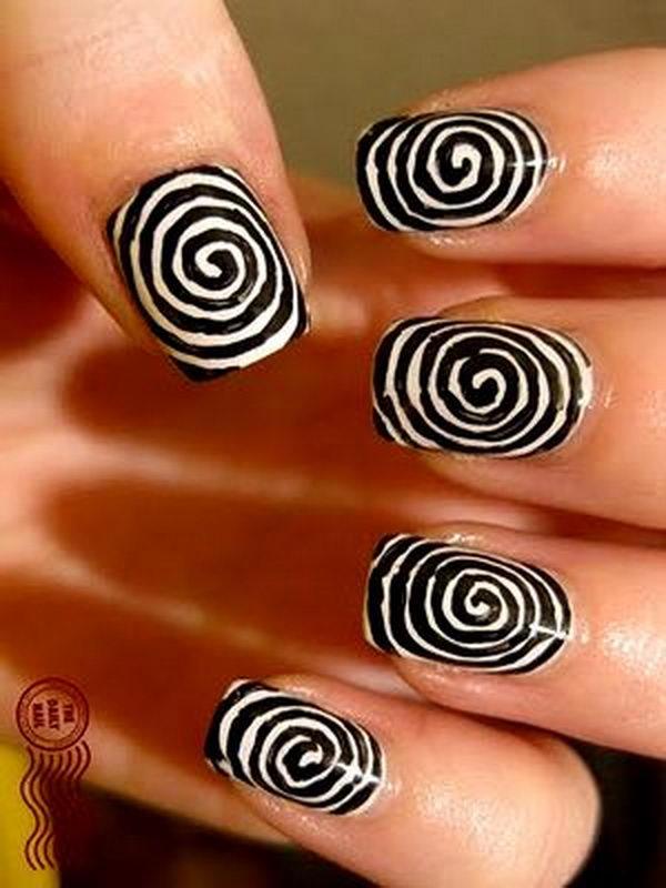 24 tim burton inspired halloween nail - 30 Cool Halloween Nail Art Ideas