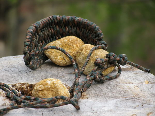 Cool DIY Paracord Projects