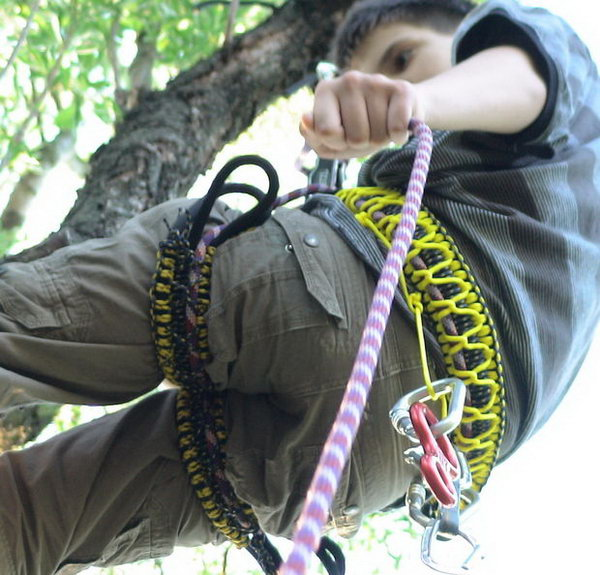 7 diy paracord projects - Cool DIY Paracord Projects