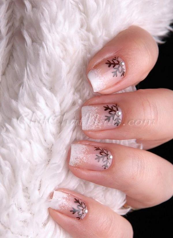 11 christmas nail art designs - 50 Festive Christmas Nail Art Designs