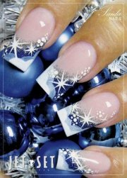 festive christmas nail art design