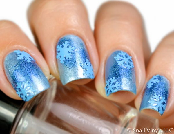 34 christmas nail art designs - 50 Festive Christmas Nail Art Designs