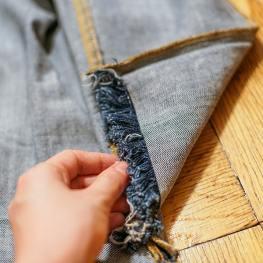 DIY Raw Edge Fringe Jeans Style Tomes