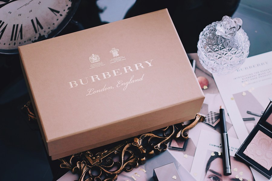 Burberry Essentials Fresh Glow VoxBox