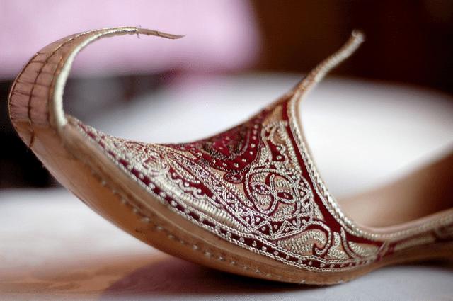 groom khussa