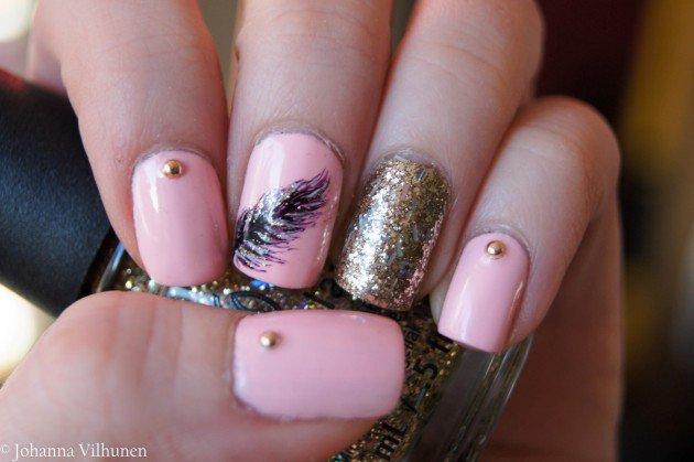 Glitter pink nail art