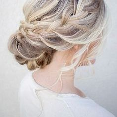 Updo Hairstyles For Short Haired Women In Summer