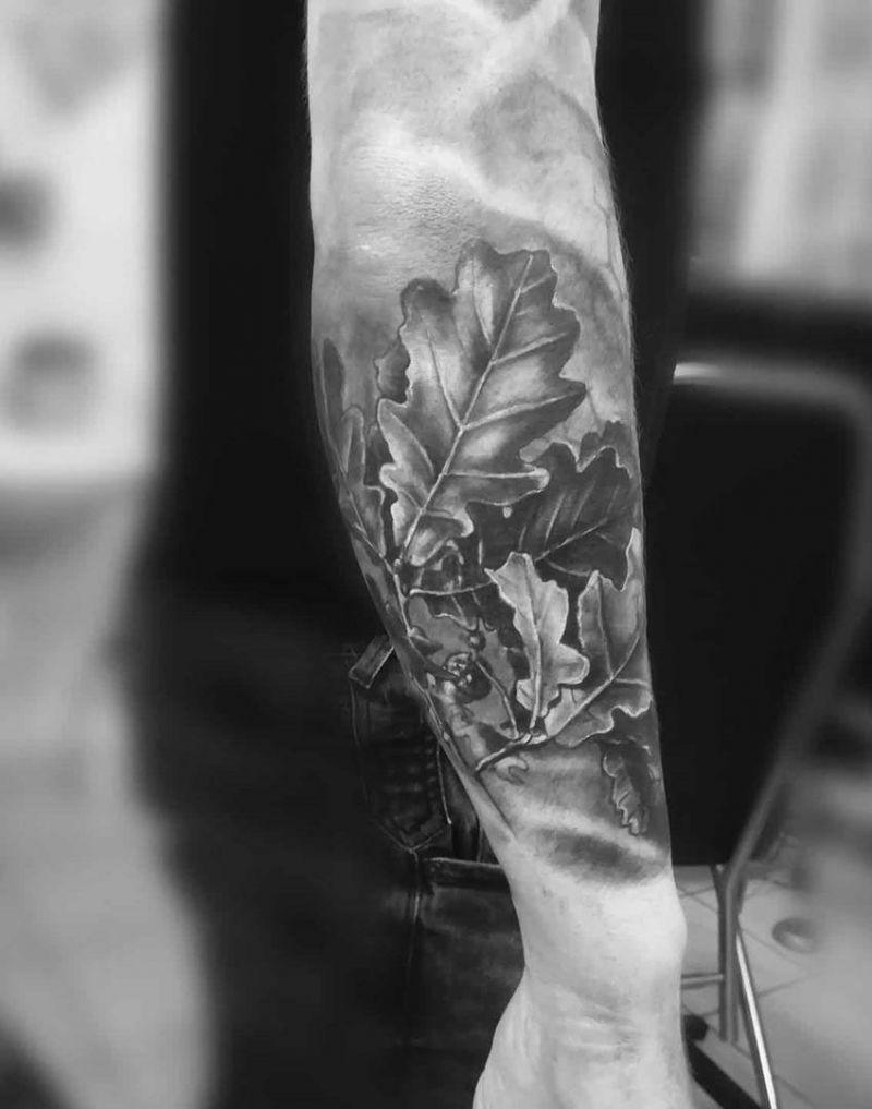 Oak Leaves Tattoos : leaves, tattoos, Pretty, Tattoos, Attractive, Style