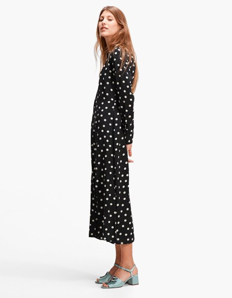 https://www.stradivarius.com/ie/woman/clothing/collection/dresses/view-all/long-polka-dot-shirt-dress-c1020132510p300520510.html?colorId=001