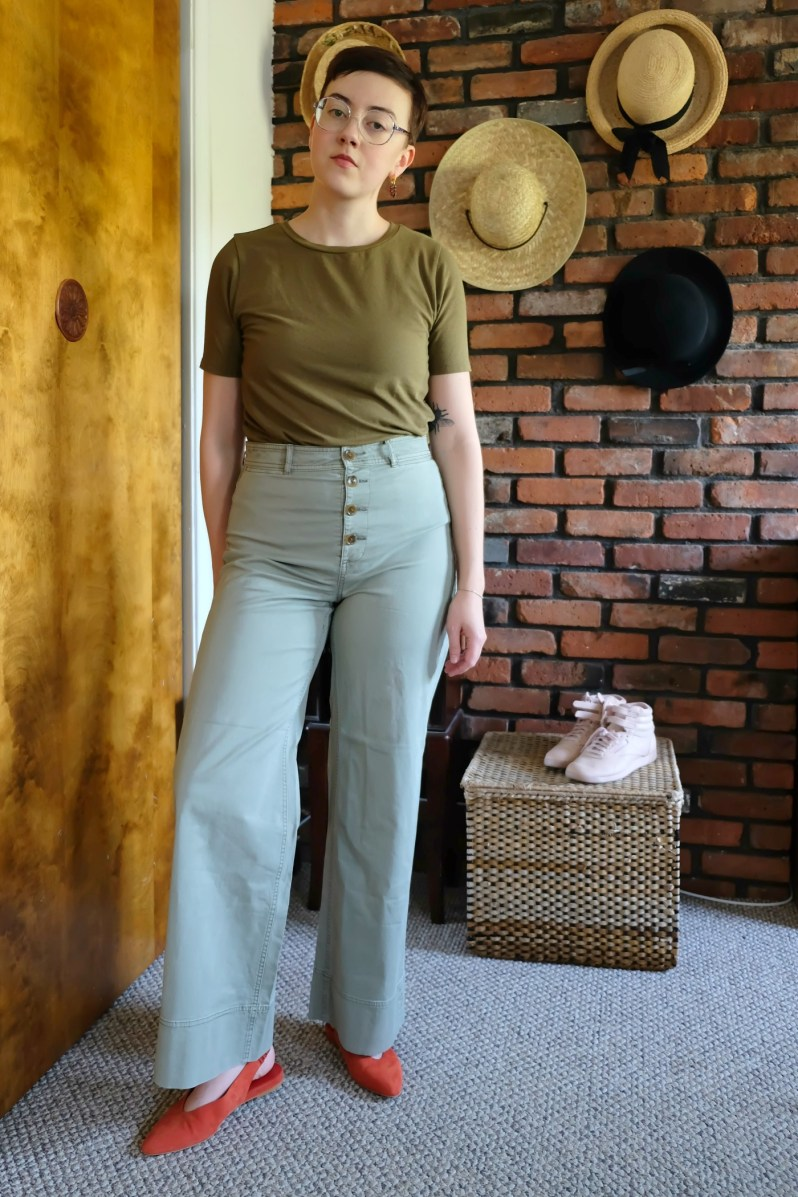 Details: T-shirt -  Universal Standard ; Pants - Lightweight Button-Fly Wide Leg Chino c/o  Everlane ; Shoes -  Everlane  (no longer available -  other colors ); Earring - Repeller