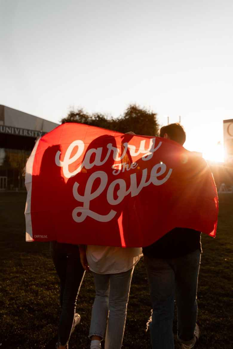 keep calm and carry on carry the love